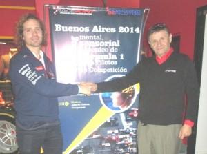 El campeón 2012 del Turismo de Carretera con O. Ríos durante el seminario del 21/7 2014.